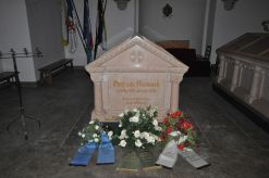 Bismarck's tomb in the mausoleum.