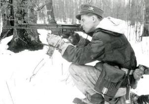 A Gebirgsjäger with his StG 44.