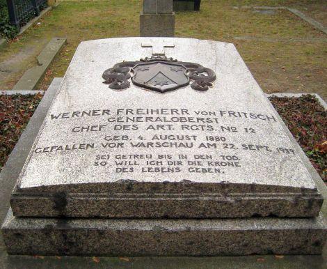 Grave at Invalidenfriedhof.