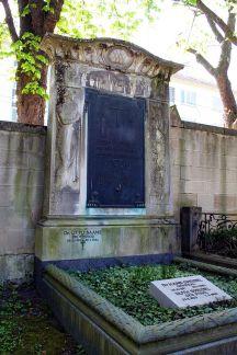 Hans Speidel's grave at the Pragfriedhof in Stuttgart.