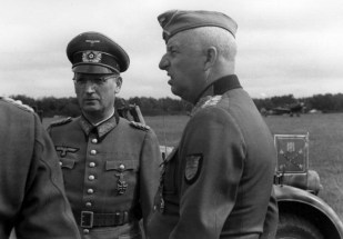 Speidel with Erich von Manstein August 1943.
