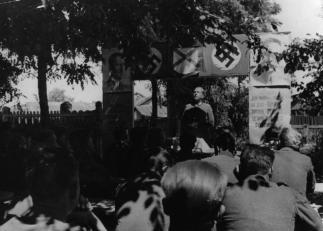 Training classes for volunteers, 1944.