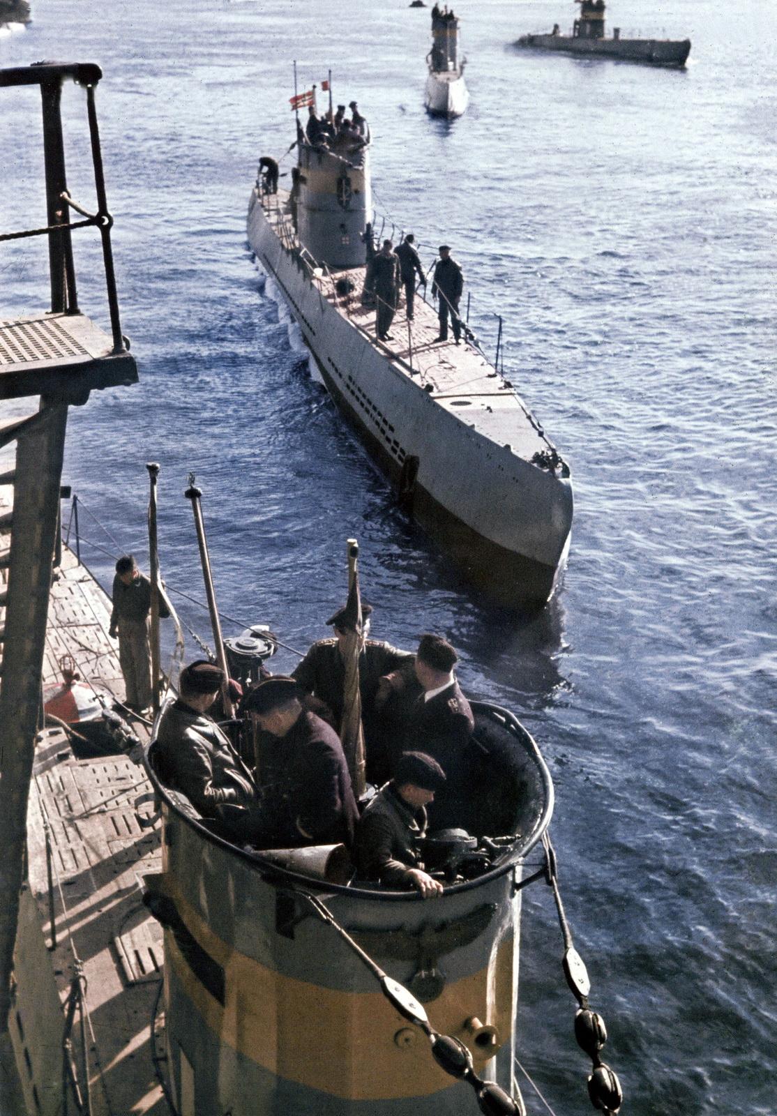 German Submarine Sub U Boat Training Boat Navy Kriegsmarine Color Farbe U 62 A