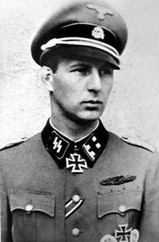SS-Obersturmbannführer Fegelein.