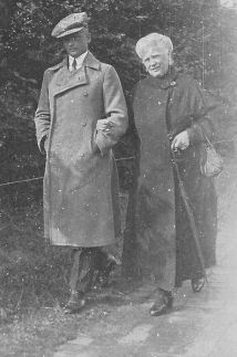 Erwin Koopmann with mother.