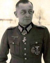 Karl Mauss.