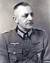 Dr. Karl Mauss.