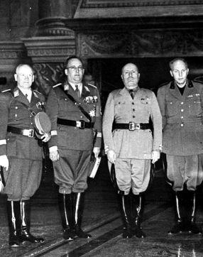 SA Gruppenführer Oberlindober with Mussolini.