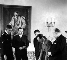 Reich Minister Goebbels with members of his staff in the Reich Ministry of Popular Enlightenment and Propaganda ; Ministerialrat SS-Standartenführer Alfred-Ingemar Berndt , Ministerial Director Karl Hanke , Ministerialrat Leopold Gutterer, Reich Minister Joseph Goebbels and State Secretary Walther Funk, 1937.