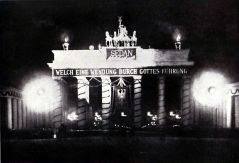 "The Brandenburg Gate after the Battle of Sedan : ""What a turn by God's guidance!"""