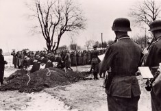 On January 31, 1944, at a heroic cemetery in the east, the funeral of the great tank driver, Major General Adalbert Schulz, took place. The picture shows officers of the Panzer Regiment who where led by Major General Schulz from victory to victory, who are burying their former heroic commander.