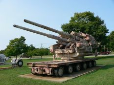 Flakzwilling 40 at US Army Ordnance Museum.