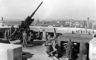 10.5 cm flak on the Zoo tower.