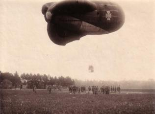 Die Fliegerabteilung (A) 272 im Kriegsjahr 1917. Ballonaufstieg.