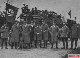 German Day in Coburg, from left to right: Oskar Körner, Adolf Hitler , Ulrich Klintsch , Ulrich Graf , Julius Schreck , Rudolf Hess, Otto Böckel , Christian Weber.