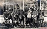 """Jagdstaffel """"Richthofen"""" at Jagdgeschwader Nr. I (10 of Jasta 11 and 1 of Jasta 6); from left: Lt. Siegfried Gussmann , Sergeant Lieutenant (Fwlt.) Friedrich Schubert (Jasta 6), Lt. Hans-Georg von der Osten , Lt. Werner Steinhäuser , Captain Manfred von Richthofen , Lt. Karl Esser , Lt. Friedrich-Wilhelm Lübbert , Oblt. Hans-Helmuth von Boddien , Lt. Hans-Karl von Linsingen , Lt. Eberhard Mohnicke and Deputy Sergeant (Vzfw.) Edgar Scholtz ."""