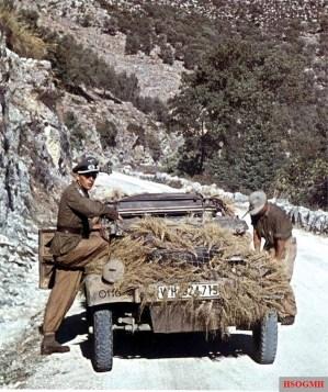 VW Typ 82 leichter geländegängiger Personenkraftwagen Kübelwagen in Sicily, Italy, ready to cross the strait of Messina using Siebel ferry (Siebelfähre), 1943.