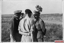 Liebenstein (right) with Lieutenant General Bernard Freyberg (left), commander of the 2nd New Zealand Division, and Brigadier Graham after the surrender of Axis forces in Tunisia.