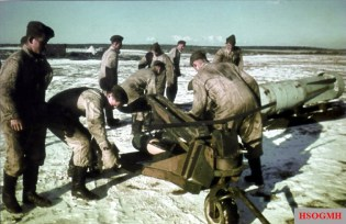 Luftwaffe ground crew work winter snow