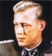 SS-Obersturmführer Otto Günsche.