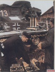 German tank crews from Panzer-Regiment 15 / 11.Panzer-Division loaded 5cm L60 (KwK39) shells in their Panzerkampfwagen III tank.