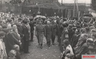 Hans Frank and Dr. Hofstetter of SS Galizien enter a Ukrainian Greek Catholic church prior to the installation of volunteers in Sanok, 1943.