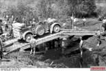 Medium off-road passenger car, older version.