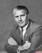 Von Braun in 1960.