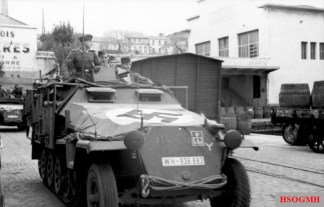 A Sd.Kfz. 251 of the 7th Panzer in southern France, November 1942.