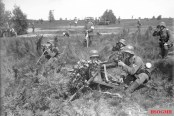 Reichswehr soldiers in a military exercise, September 1930.