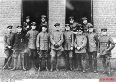 "May 1918 members of ""Jasta"" 26: Loerzer is in the middle; at far right Fritz Beckhardt."
