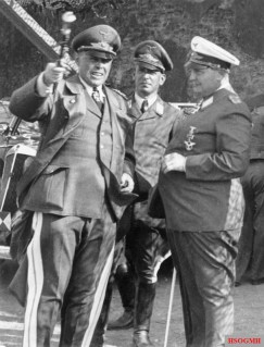 Kesselring (left), with his chief of staff, Wilhelm Speidel (centre), and Hermann Göring (right) – 1940.