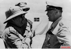 28 July 1942: Italian Marshal Ugo Cavallero (left) in conversation with Generalfeldmarschall Albert Kesselring (Oberbefehlshaber Süd). Cavallero is the recipient of the Ritterkreuz des Eisernen Kreuzes (Knight's Cross of the Iron Crosses), which he received in 19 February 1942 as Generale di Corpo d'Armata and Chief of the Defence Staff of the Royal Italian Army. He is one of nine Italian Ritterkreuzträger.