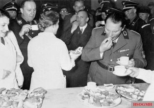 Göring during the Grüne Woche in Berlin, 1937.
