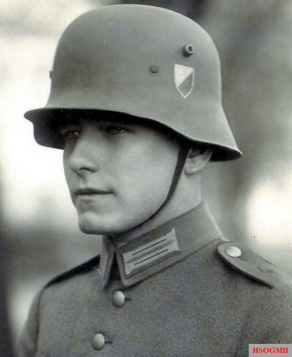 Steel helmet M18 of the Reichswehr with the state coat of arms.