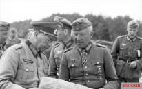 Manstein with General der Panzertruppe Erich Brandenberger, one of his divisional commanders, in June 1941.