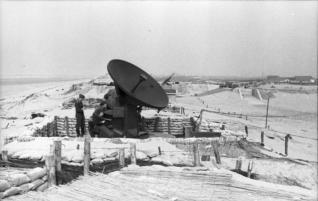 "FuMG 39 ""Würzburg"" radar at an anti-aircraft position on the Atlantic Wall, France, 1942."