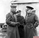 Field Marshal von Manstein (left) on the Eastern Front with the two Romanian generals Petre Dumitrescu (right) and Gheorghe Avramescu , Commanding General of the Romanian Mountain Corps, 1942.