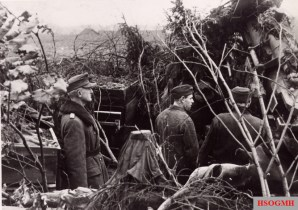 General of the Infantry Hans Gollnick in front of the defensive position on 5 January 1945.
