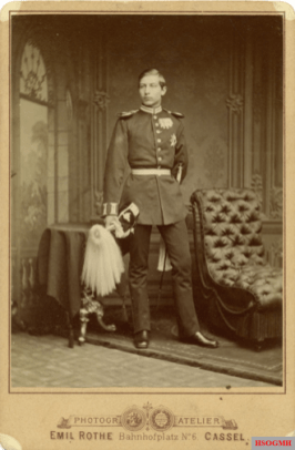 Prince Wilhelm as a student at the age of 18 in Kassel. As usual, he is hiding his damaged left hand behind his back.