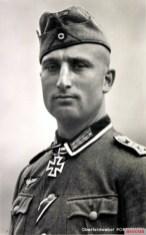 Knight's Cross bearer Josef Portsteffen - Hoffmann postcard R 19.