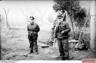 Colonel Sebastian Ludwig Heilmann, commander of the 3rd Paratrooper Regiment, and General Richard Heidrich, protagonists of Cassino's fierce defense.