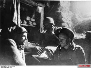 Fallschirmjäger in Cassino, in a makeshift refuge set up between the solid walls of a quarry.