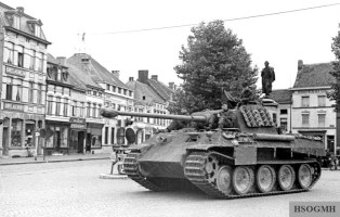 Panther with Schürzen partially attached. They were difficult to maintain in place when travelling through heavy brush.