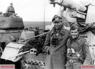 Hauptmann Alfred Ziemann from schwere-Panzerjäger-Abteilung 93 with one of the NCO of his company.