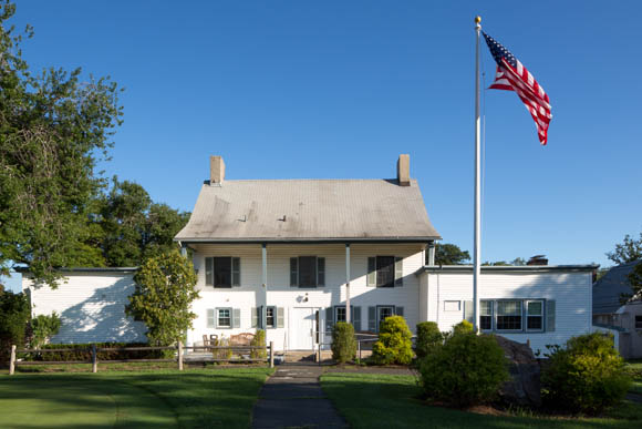 A photo of the front of the main building at Shady Rest Golf and Country Club