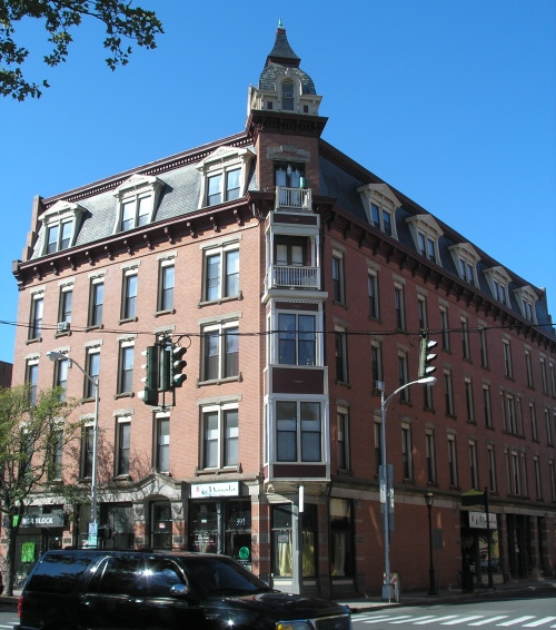 Victoria Manor Apartments: Historic Buildings Of Connecticut