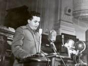 1952 - Nicolae Ceauşescu ţine un discurs cu prilehul unei noi modificări a Constituţiei Fototeca online a comunismului românesc