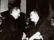 1973 - Nicolae Ceauşescu primeşte titlul de Doctor Honoris Causa al Universităţii Bucureşti Fototeca online a comunismului românesc