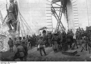 Noiembrie 1916. Trupele bulgare au cucerit podul de la Cernavodă.